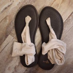 Sanuk Yoga Sandals size 7